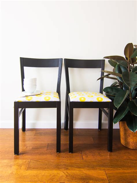 upholstering dining room chairs diy upholstered dining room chairs hearts