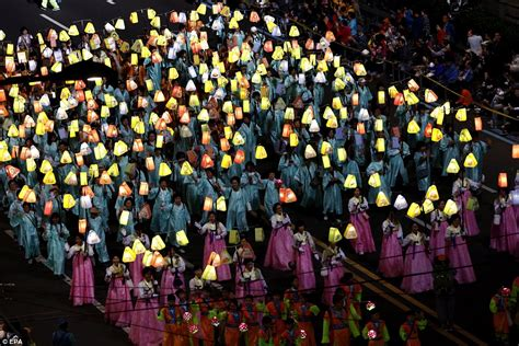 festival korea south koreans celebrate buddha s birthday with spectacular