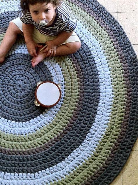 diy knit rug 25 best ideas about knit rug on crochet