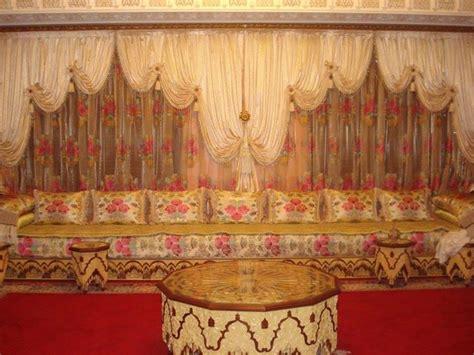 rideaux voilage de salon marocain traditionnel d 233 co plafond platre