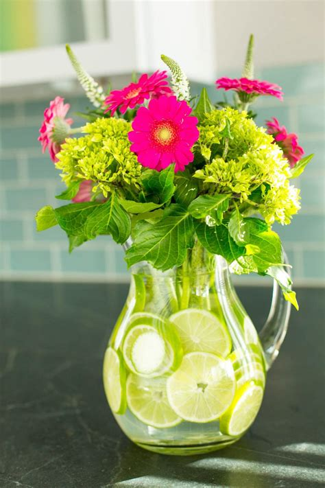 easy centerpieces 11 simple and stylish diy floral centerpieces 10 tips