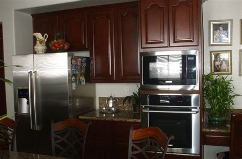 price on kitchen cabinets get the best price on kitchen cabinet refacing woodwork