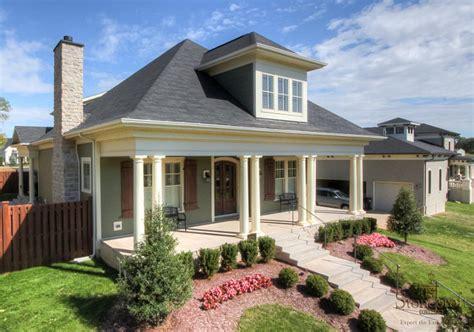 best exterior house paint colors for resale paint colors that sell best exterior home choices ask