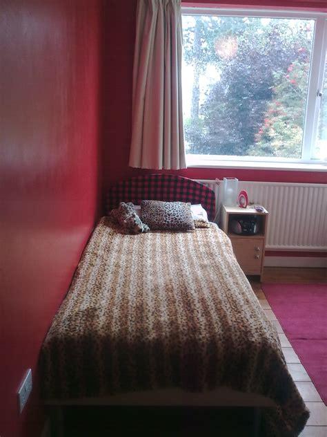 two beds make bedroom 2 make
