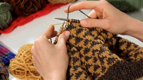 how to knit colors how to knit with two colors knitting