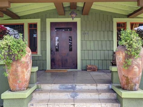craftsman design homes curb appeal tips for craftsman style homes hgtv