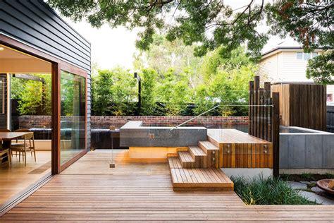 family modern backyard design for outdoor experiences