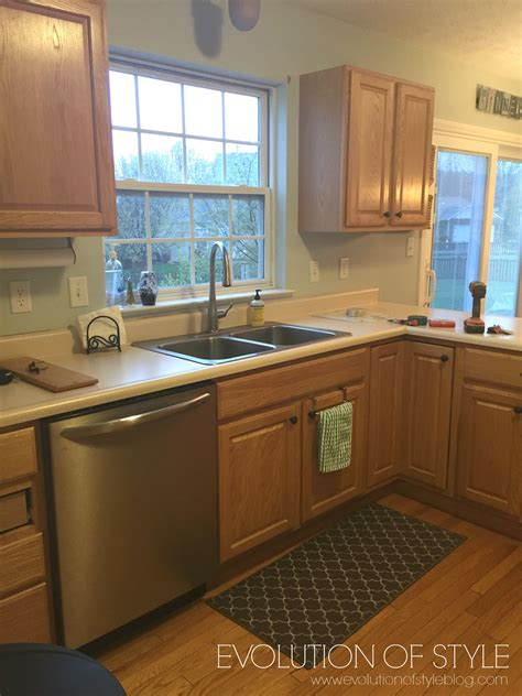 how to refinish oak kitchen cabinets 100 how to refinish oak cabinets what to do with