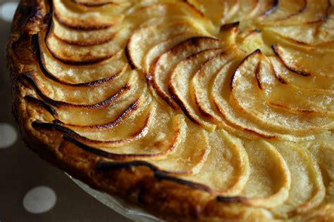 tarte aux pommes recette facile de la tarte aux pommes avec p 226 te sabl 233 e ou