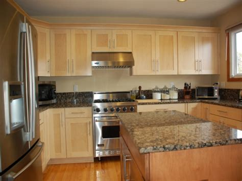 what is the most popular kitchen cabinet color most popular kitchen cabinet color 2014 kitchen cabinets