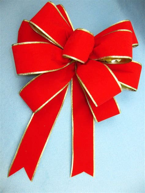 how to make a bow see how to make a gift bow out of ribbon pro bow the