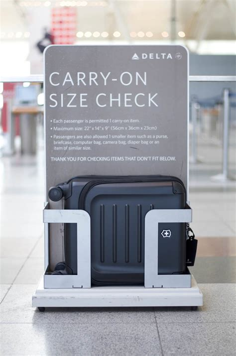 united airline luggage size 100 united airlines luggage size international air