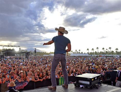 festival in california dustin lynch photos photos 2016 stagecoach california s