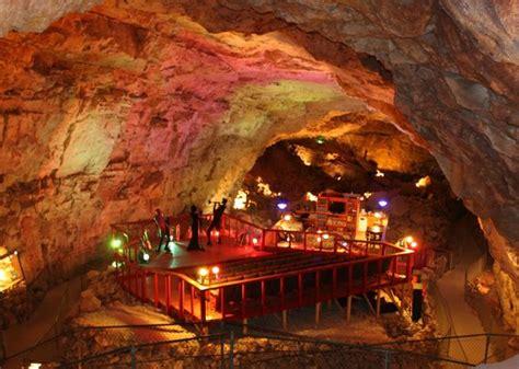 underground hotel underground hotel room picture of grand caverns