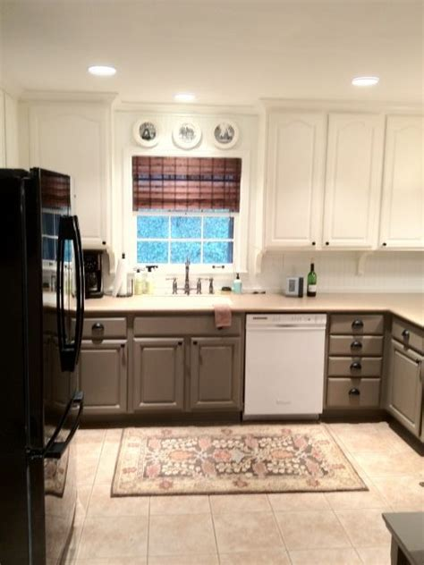 paint kitchen cabinets two colors pin by villnerve suggs on home decor