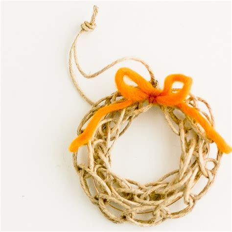 Finger Knit Wreath Tutorial By Flax Twine U Create