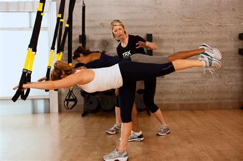 entrenamiento trx en casa ejercicios de trx efectivos para el abdomen