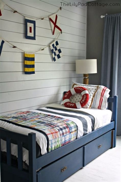 diy chalk paint bed 40 chalk paint furniture ideas page 2 of 8