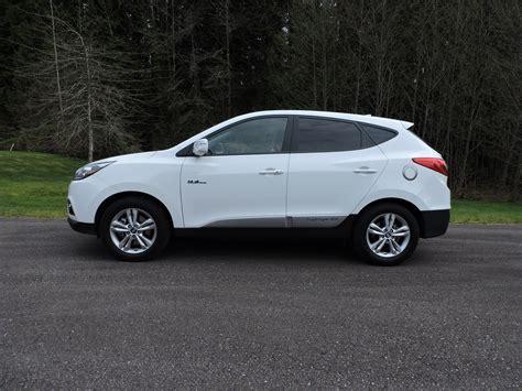 2015 Hyundai Tucson Reviews by 2015 Hyundai Tucson Fuel Cell Review Autoguide News