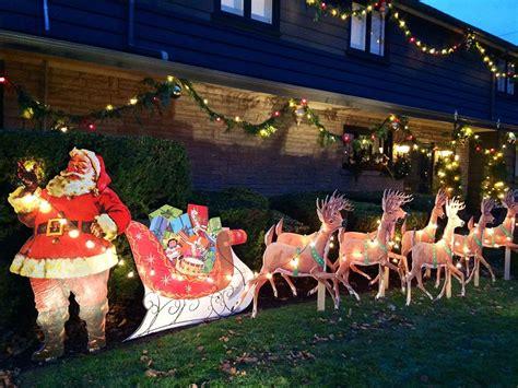 outdoor decorations santa and reindeer mike makes a u bild santa and reindeer lawn display from