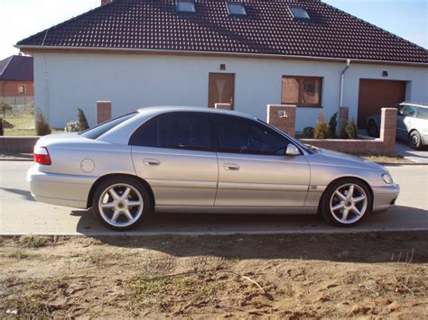 view of opel omega 3 2 v6 photos features and