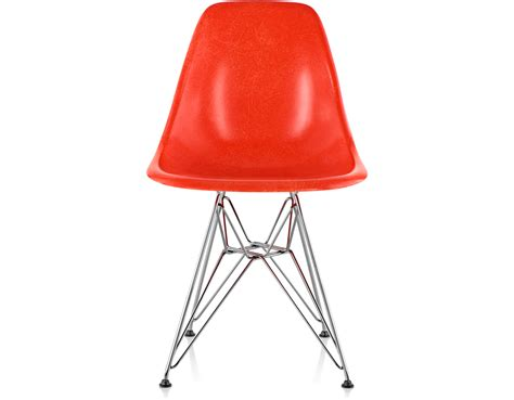 eames fiberglass chairs eames 174 molded fiberglass side chair with wire base