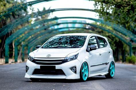 Modifikasi Mobil Agya by Modifikasi Mobil Agya Bagian Velg Knalpot Lu Dan Jok