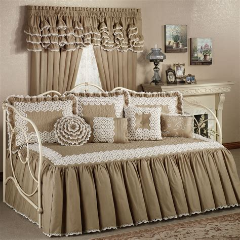turn bed into daybed turn bed into daybed 28 images turn your beds into