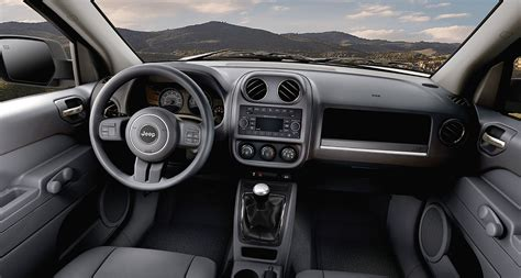 electric and cars manual 2011 jeep patriot interior lighting 5 reasons the jeep patriot is the best priced suv