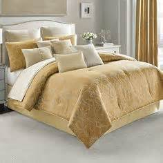 hgtv comforter sets 1000 images about candice on towels on