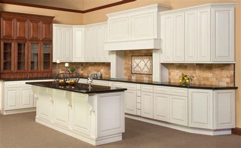antique glaze kitchen cabinets kitchen cabinets antique white chocolate glaze quicua