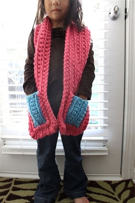 scarf with pockets knitting pattern chunky knit pocket scarves by jaime ca flowers