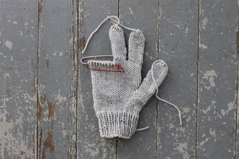 knitting stitch holder tips for knitting gloves that always fit