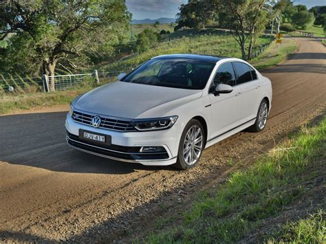 2017 volkswagen passat 206tsi r line review performance