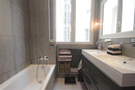 d 233 co salle de bain gris et blanc
