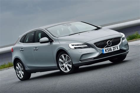 New Volvo V40 by New Volvo V40 2016 Review Pictures Auto Express