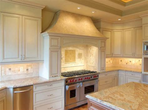 cottage style kitchen cabinets cottage style kitchen cabinets pictures options tips
