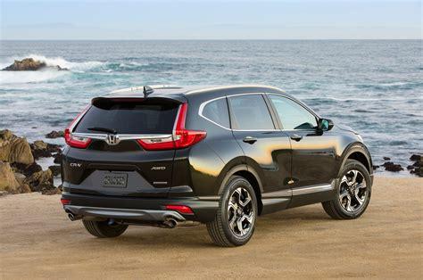 2017 Vs 2018 Crv by 2017 Honda Cr V Vs 2018 Toyota Rav4 Compare Reviews 2017