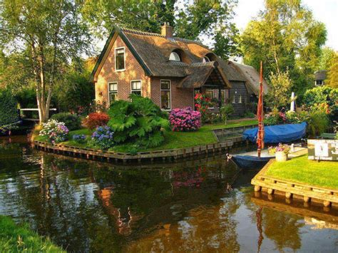 beautiful cottage of the most beautiful tourist cottages around the world