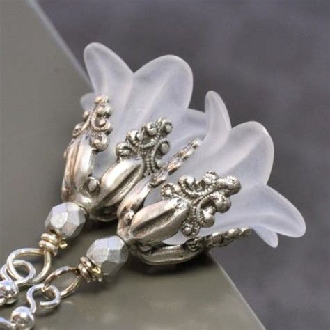 lucite flower 1000 ideas about lucite flower earrings on