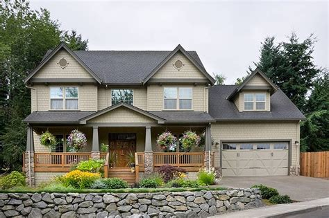 traditional farmhouse plans traditional style house plan 4 beds 2 5 baths 2500 sq ft