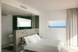 open space bedroom design chambre avec dressing et salle de bain en 55 id 233 es