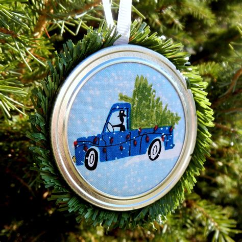 Nature Inspired Home Decor fun and easy to make mason jar lid christmas ornaments