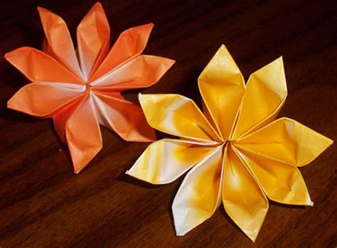 beautiful origami flowers decorate your home with these beautiful origami flowers