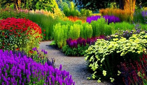 flower gardens in the world 10 most beautiful made flower gardens in the world