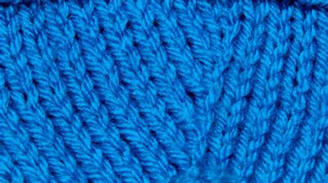 invisible knit increase knit right loop increase krl knitting stitch