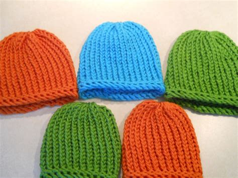 knitting a hat on a loom loom knitted hats bows knifty mitts knits