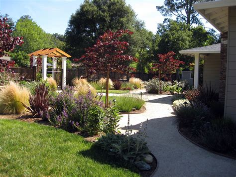 front yard gardens ideas various front yard ideas for beginners who want to