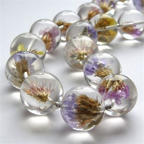 how to make resin jewelry with flowers resin flowers gorgeous jewlery