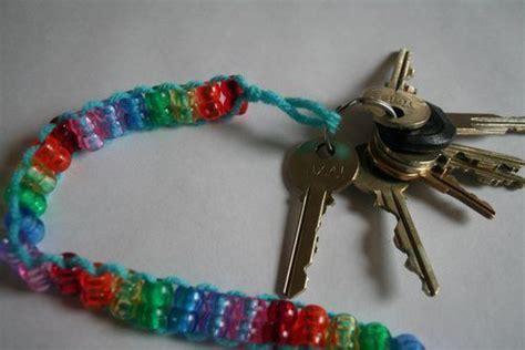how to make keychains with pony tutorial pony bead rainbow keychain vikings